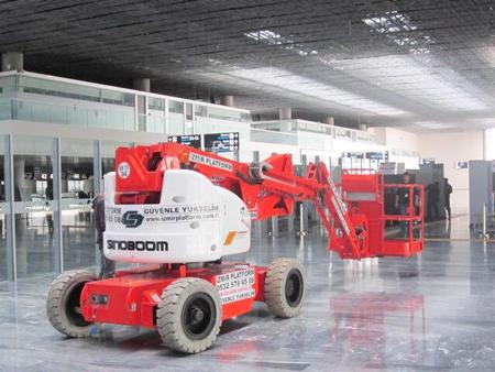 星邦重工高空作业平台在伊兹密尔国际机场